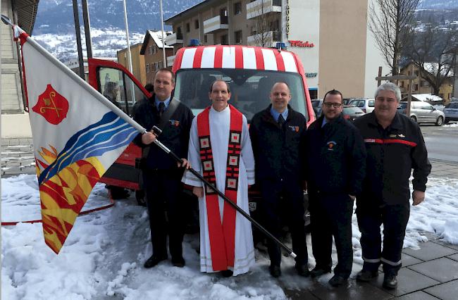 Die Feuerwehr Naters verfügt für den Standort Birgisch neu ein Ersteinsatzfahrzeug, das an der Agathafeier in Naters von Pfarrer Jean-Pierre Brunner eingeweiht wurde.