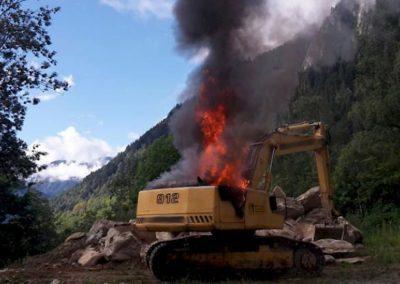 Brand einer Baumaschine